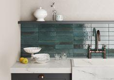 Nevšední série obkladů Lume je vhodná do všech typů interiéru a díky své mrazuvzdornosti také exteriéru. Nabízíme ji v 6 barvách. #keramikasoukup #koupelnyodsoukupa #lume #modern #luxury #bathroom #inspirace #inspiration #koupelnyinspirace #kitchen Marble Floor Kitchen, White Marble Kitchen, Kitchen Flooring, Basement Kitchen, Kitchen Backsplash, Wood Projects That Sell, Beginner Woodworking Projects, Style Artisanal, Mandarin Stone