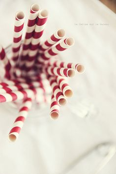 Christmas drink straws want Office Christmas, Christmas Drinks, Christmas Treats, Christmas Decorations, Xmas Party, Holiday Parties, Merry Little Christmas, Christmas Holidays, Christmas Cupcakes