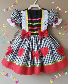 Duda-Flor festa junina no Elo7   Ateliê Duda-Flor (990F19) Kids Outfits Girls, Girls Dresses, Summer Dresses, Vestidos Sport, Baby Dress Design, Fantasy Dress, Toddler Dress, Party Fashion, Kids Wear
