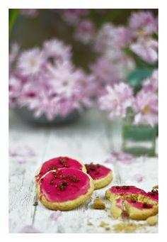 Raspberry & pink pepper cookies
