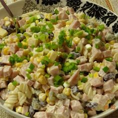 Makaronowa sałatka z kiszonym ogórkiem Salad Dishes, Healthier You, Pasta Salad, Grilling, Food And Drink, Lunch, Vegetables, Healthy, Ethnic Recipes
