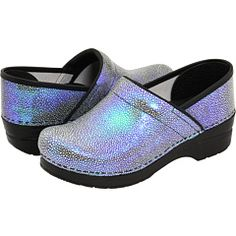 Dansko Professional Shagreen clogs: I might need these next! Dansko Shoes, Clogs Shoes, Nursing Clogs, Dansko Nursing Shoes, Nursing Scrubs, Clogs Outfit, Scrubs Outfit, Me Too Shoes, Footwear