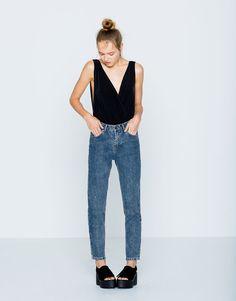 Pull&Bear - mulher - jeans - calças de ganga mom cintura subida - azul…