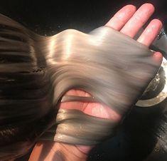 Hair Streaks, Hair Highlights, Color Streaks, Brown Blonde Hair, Medium Blonde, Grunge Hair, Brown Hair Colors, Hairstyles With Bangs, Hair Inspo
