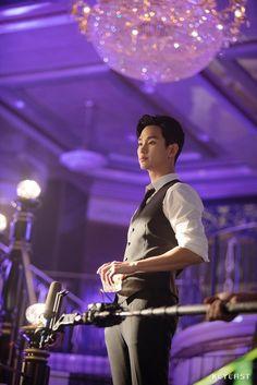 Kim Soo Hyun Abs, Hyun Soo, Asian Actors, Korean Actors, Blue Moon Hotel, My Love From Another Star, Kim Sohyun, Hallyu Star, Korean Drama Movies