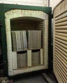 Full loaded big kiln! #heat #ceramic #client #kiln #1040 #firing #studio #floriswubben #studiofloriswubben