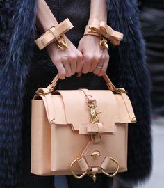 Niels Peeraer bag & cuffs