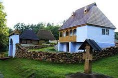 Imagini pentru bastionul soldisch Traditional, House Styles, Plants, Home Decor, Houses, Decoration Home, Room Decor, Plant, Home Interior Design