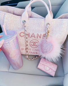 Chanel Backpack, Chanel Purse, Chanel Bags, Photographie New York, Dior Handbags, Latest Bags, Replica Handbags, Cute Bags, Luxury Bags