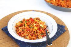 Rijstschotel met feta en gehakt - Lekker en Simpel Tasty, Yummy Food, Feta, Risotto, Rice, Healthy Recipes, Healthy Food, Ethnic Recipes, Om