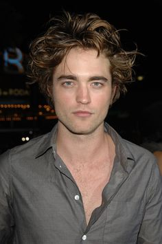 Pin for Later: 25 Facts That Will Change the Way You Think About Robert Pattinson He Wasn't Always a Fan Favourite According to TV Guide, 75,000 fans reportedly petitioned against Robert when it was first announced that he was picked for the role of Edward Cullen.