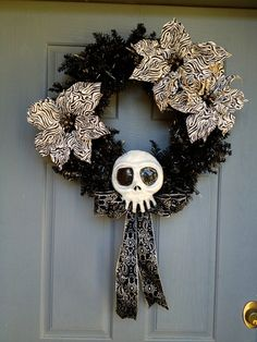 Nightmare Before Christmas SkullSALE by LydiaBizarre on Etsy