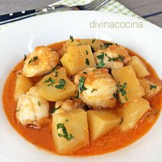 Monkfish stew with potatoes - Rape estofado con patatas < Divina Cocina Seafood Stew, Fish And Seafood, Monkfish Recipes, Tapas, Seafood Recipes, Cooking Recipes, Spanish Dishes, Small Meals, One Pot Dinners