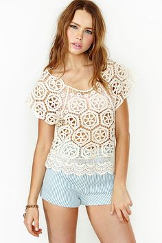 Sencilla y hermosa blusa en crochet.
