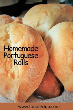 Crusty on the outside, soft and chewy on the inside, these homemade crusty Portuguese rolls are perfect for sandwiches. If you prefer you could just dunk them in your favourite bowl of soup or stew, or even serve them as dinner rolls. #foodleclub #homemade #papasecos #portugueserolls #homemaderolls #easybreadrolls #dinnerrolls Recipes With Yeast, Easy Baking Recipes, Soup Recipes, Cooking Recipes, Healthy Recipes, Portuguese Rolls Recipe, Portuguese Recipes, Homemade Bread Bowls, Homemade Rolls