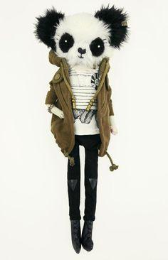 Roxie Panda / Szmacianki http://knuffelsalacarteblog.blogspot.nl/2014/12/the-coolest-panda-we-have-ever-seen.html