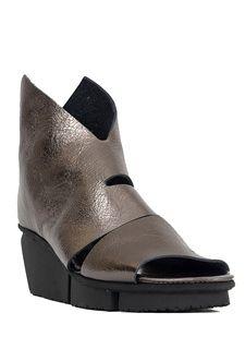 Trippen Shoes Wow Splitt Booties, Steel Waw