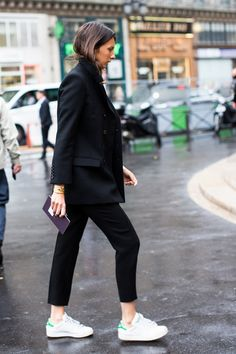 ankle length black pant + white sneaks