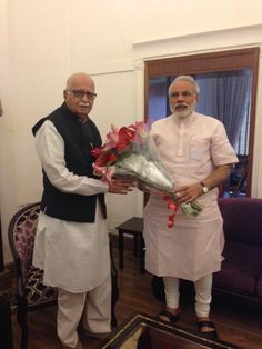 Shri Narendra Modi wishes Shri L. K. Advani ji on his birthday