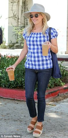 Howdy! The 39-year-old Oscar winner showcased her preppy, Southern style in a blue gingham top, dark skinny jeans, and brown platform sandals