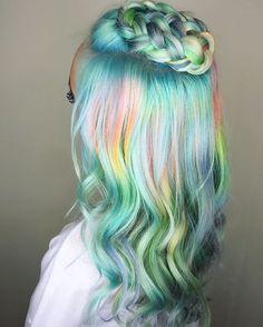 Gorgeous pastel rainbow hair! One day... for now I have my teal ombré... ↠ ᴘɪɴᴛᴇʀᴇsᴛ: Unique Naja ↞