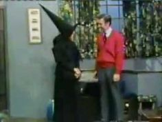 """Margaret Hamilton (who played The Wicked Witch of the West in The Wizard of Oz) guest appearance on """"Mister Rogers' Neighborhood."""" [Video]"""