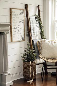 Comfy and Cozy Wooden Sign – Joyfully Said Signs Farmhouse Christmas Decor, Cozy Christmas, Simple Christmas, Farmhouse Decor, Farmhouse Signs, Xmas, Homemade Christmas, Winter Home Decor, Diy Home Decor