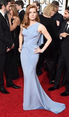 <P>Amy Adams in oud blauw, mooi in combinatie met haar rode lokken.</P>