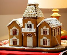Make louvered shutters on your Gingerbread home with icing!