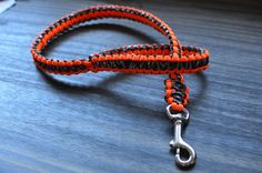 Two Foot Cobra Knot Paracord Dog Training Leash