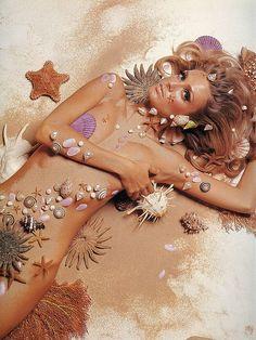 """Four Seasons"", Deborah Dixon, photo by Bert Stern, Vogue 1962 .this is amazing 1960s Fashion, Vintage Fashion, Fashion Mag, Fashion Models, Pin Up, Bert Stern, Vogue Magazine, Vintage Vogue, The Little Mermaid"