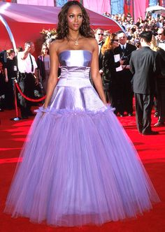 We've waited years to find out which prom-bound teen supermodel Tyra Banks stole this frock from before going to the 2000 Academy Awards. How else would you explain this lavender tulle creation?