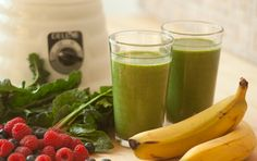Double Green Smoothie: 1 cup unsweetened non-dairy beverage, such as almond, rice or soy 2 dried apricots or 4 pitted dates 1 banana 1 cup chopped kale leaves 1 cup baby spinach leaves cup fresh or frozen berries Homemade Smoothies, Green Smoothie Recipes, Juice Smoothie, Smoothie Drinks, Healthy Smoothies, Healthy Drinks, Healthy Eating, Healthy Recipes, Pear Smoothie