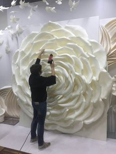 Giant Foam Flower - Foam Flowers With Stems - Large Paper Flowers - Stand With Flowers - Wedding Large Flowers - Wedding Flowers Decor Large Paper Flowers, Paper Flower Wall, Paper Flower Backdrop, Giant Paper Flowers, Diy Flowers, Decoration Evenementielle, Fleurs Diy, Wedding Flower Decorations, Wedding Flowers