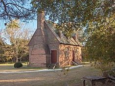 Dating to 1725, the Lynnhaven House is considered a fine example of early Virginia vernacular architecture. Built by plantation owner  and master craftsman Francis Thelaball, the home is brick and features unique details such as a closed-spindle staircase with teardrop pendant. (1725-1727; Francis died in 1727).