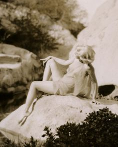 Rare shot of Jean Harlow in Griffith Park, by Edwin Bower Hesser in the spring of 1929.