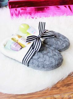 This slippers gift idea filled with treats and gifts! Perfect for Christmas, Birthdays, a Baby Shower gift, Mother's Day or any other occasion!