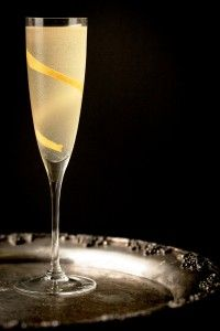 New Years Eve cocktail recipes - this one's got elderflower, peach bitters, and champagne. Just lovely!