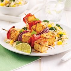 Grilled Honey and Garlic Tofu Skewers - Weekly Suppers - Recipes - Express Recipes - Prati Healthy Chicken Parmesan, Healthy Chicken Dinner, Vegan Recipes, Cooking Recipes, Breakfast For Kids, Food Videos, Vegan Vegetarian, Food Porn, Food And Drink