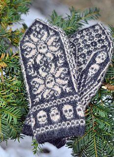 Ravelry: Deathflake mittens pattern by Sissel KB Knitted Mittens Pattern, Knit Mittens, Knitted Gloves, Knitting Socks, Free Knitting, Fingerless Gloves, Knitting Designs, Knitting Projects, Knitting Patterns