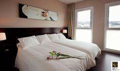 Con unas vistas de la excepcional belleza del valle, estas son las habitaciones del @HotelValdorba #Navarra