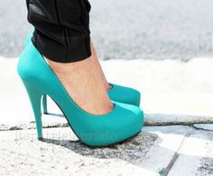 So in love with turquoise and black!