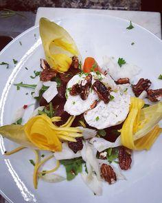 #wreats #wrasom #cbridge #food #summer #mango #beljian #endives #arugula #pecans #goatcheese #salad #restaurants #cambidge #kitchener #frenchfood #bistros #cafes #bars #canadaday #150 #goatcheesesalad #elixirbistro