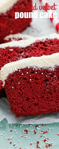 This is the best moist and flavorful RED VELVET POUND CAKE, and it has the most amazing cream cheese frosting that will melt in your mouth! Red Velvet Pound Cake Recipe, Red Velvet Recipes, Red Velvet Cake Mix, Red Velvet Cake Recipe With Coffee, Velvet Cream, Köstliche Desserts, Delicious Desserts, Dessert Recipes, Cake Icing