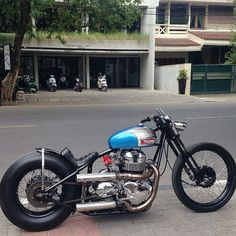 School Of Cool -Hold Fast Motorcycles Triumph Motorbikes, Triumph Chopper, Triumph Bobber, Bobber Bikes, Chopper Motorcycle, Scrambler Motorcycle, Motorcycle Engine, Bobber Chopper, Motorcycle Design