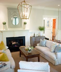 Love the styling and the oversized lantern