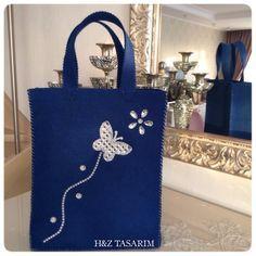 ✨Yeni kelebekli keçe çanta modelimiz ✨