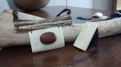 Biojoias - Green Jewelry / Filhas de Maria  Colar de Osso com Pedra do Sol e Anel de Osso - Handmade - Artesanato