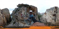 Mirador frente a la vía de tren en el Caminito del Rey 360 grados #Paisajes #Rutas #Guau +info:http://www.pacoyesther.com