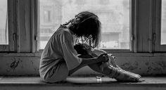 Explicamos qué es el trastorno esquizotípico de la personalidad con sus síntomas, causas y tratamientos propuestos para intervenir sobre este desorden.